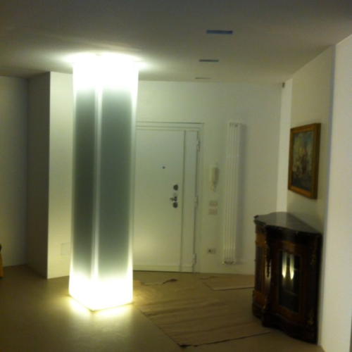 Curved glass for column cover made in Italy